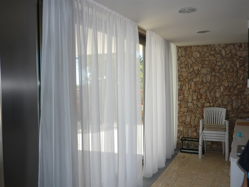 Pin cortinas y visillos on pinterest for Visillos para cortinas